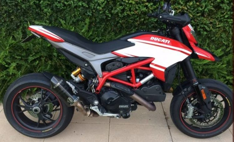 Ducati Hypermotard 821 1