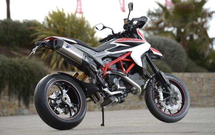 Ducati Hypermotard 821 2