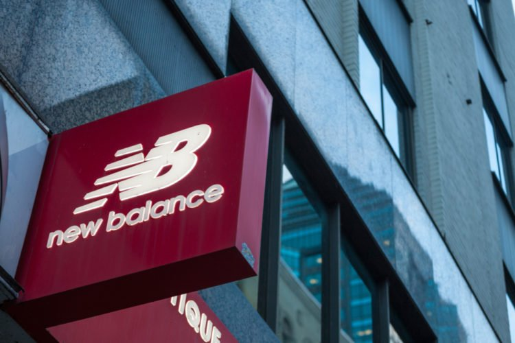 Infectar Color rosa gobierno  The History of and Story Behind the New Balance Logo