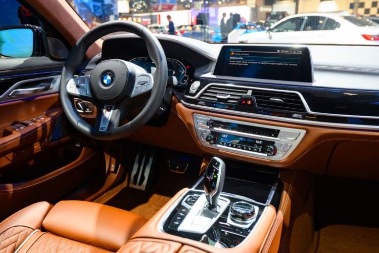 BMW Vs Mercedes