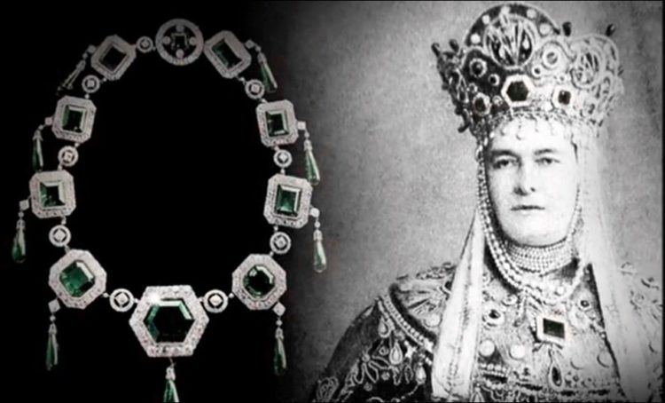 The Imperial Emerald of the Grand Duchess Vladimir/photo from pinterest