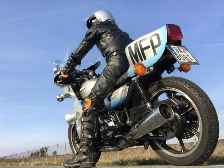 The Kawasaki 900 or 1000