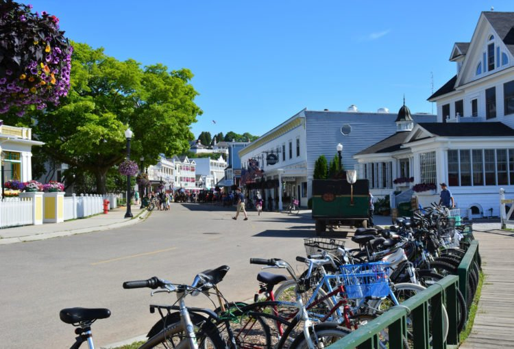 horse and buggy tour of Mackinac Island