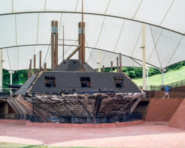 Visit the National Mississippi River Museum & Aquarium