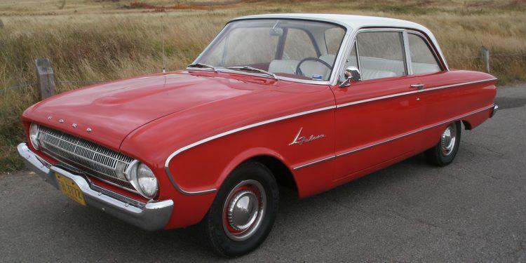 1961 Ford Falcon DeLuxe