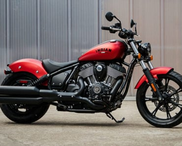 A Closer Look at The 2022 Indian Chief Bobber Dark Horse