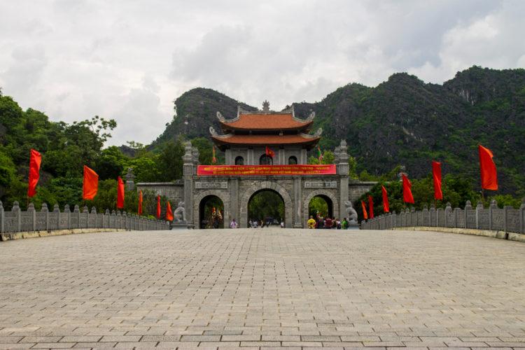 Visit the ancient capital of Hoa Lu