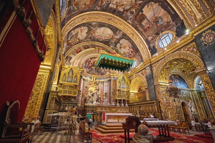 Discover Malta's temples