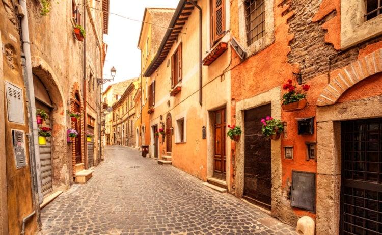 Hike the Via delle Cascatelle