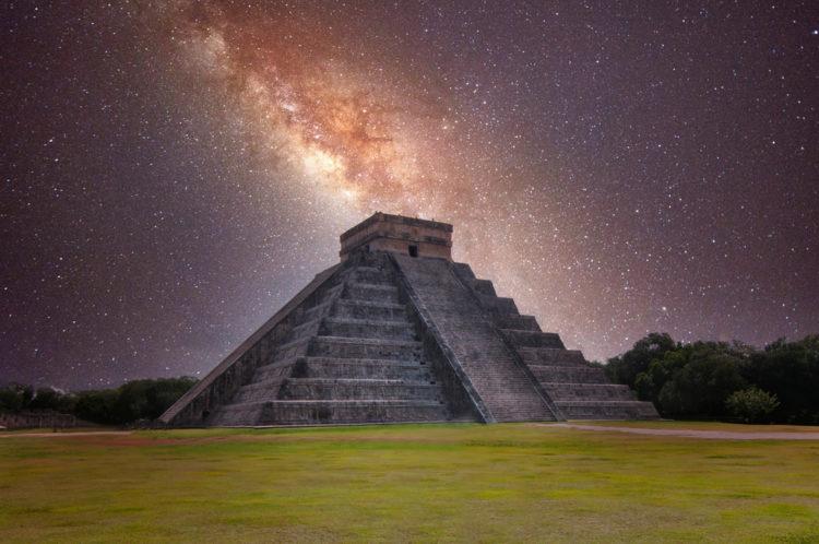 Explore Chichén Itzá