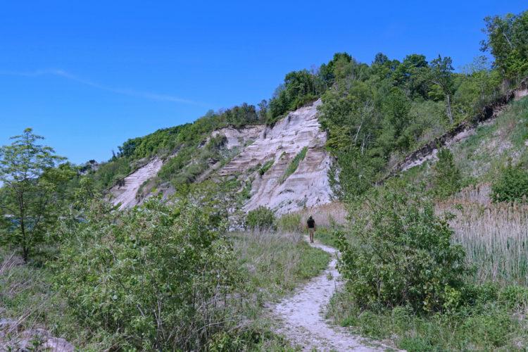 Hike Bluff Trail