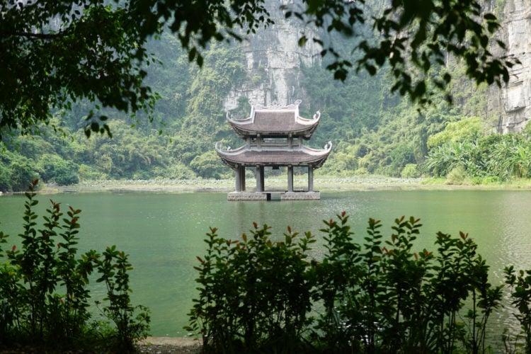 Discover the Trang An eco-tourism complex