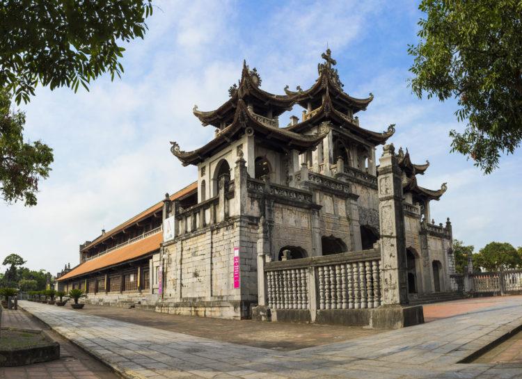 Visit Phat Diem Cathedral