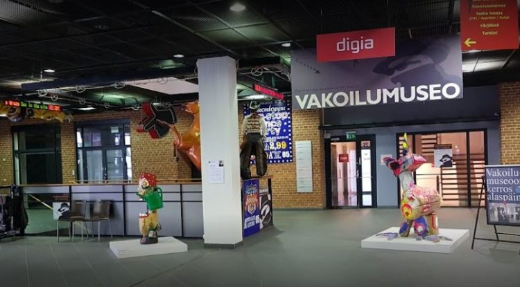 Take a lie detector test at Vakoilumuseo