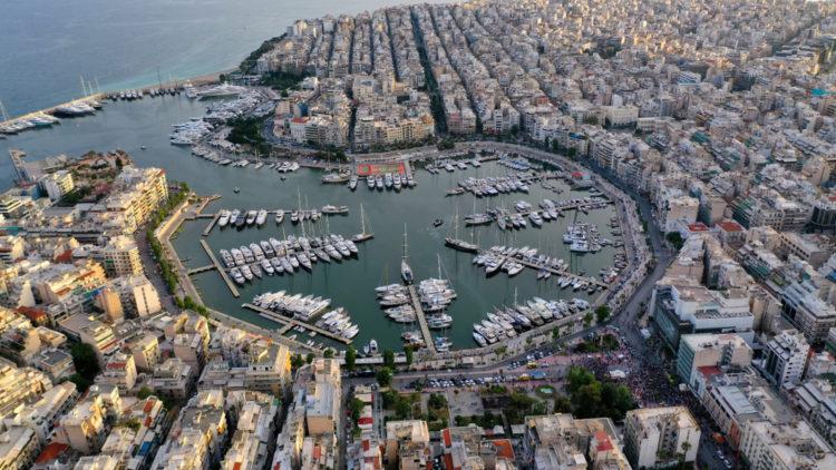 Admire the yachts at Pasalimani