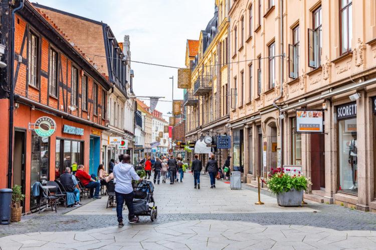 Shop Along Kullagatan