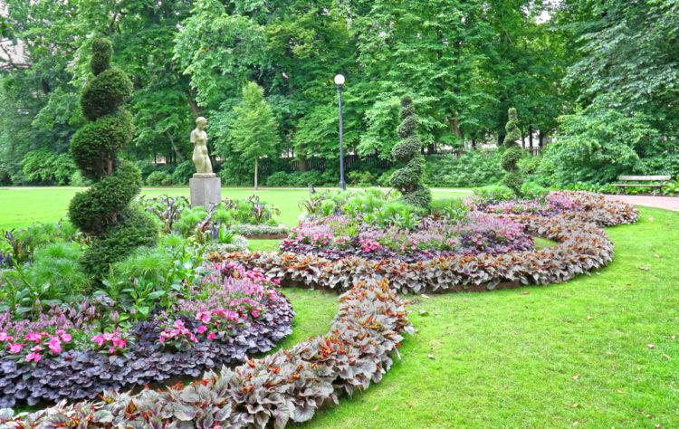 Go to the Frederiksdal Open-Air Museum & Botanical Garden