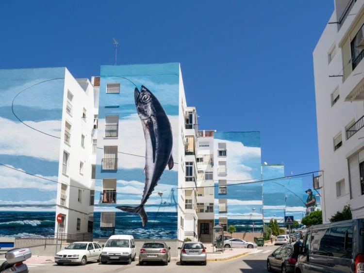 Admire the street art on the Ruta de los Murales