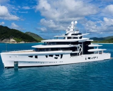 """A Closer Look at the 262-Foot Superyacht """"Artefact"""""""