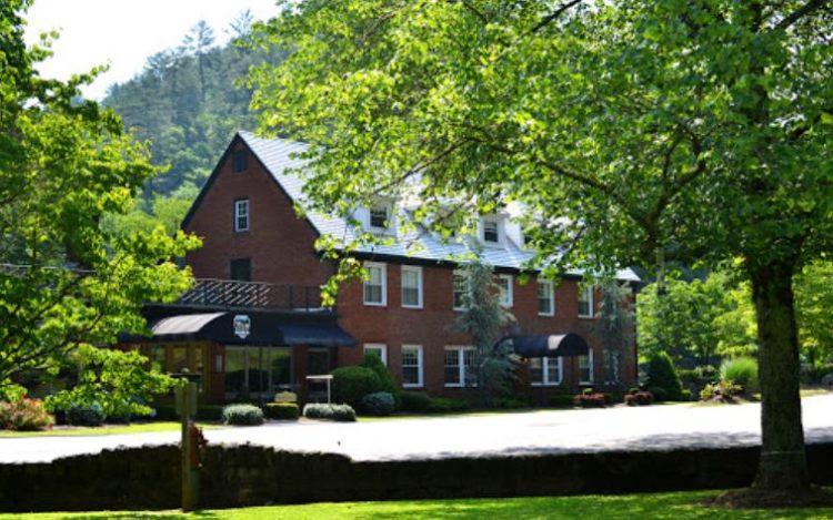 Historic Tapoco Lodge