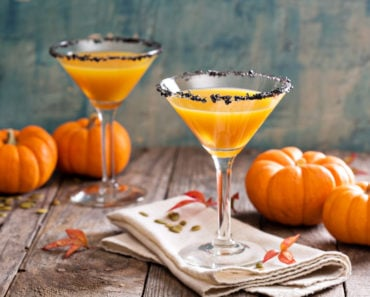 10 Perfect Cocktails to Make for Halloween