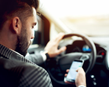 The 10 Best Driving Apps for iPhone and Android